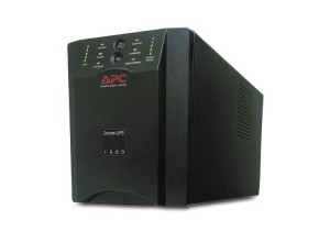 No Break APC Smart-UPS de 1500VA